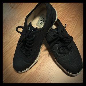 NWOB Ugg black lace up sneaker